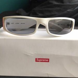 0817ab1e8dbe3 Supreme Astro sunglasses white w  black shades